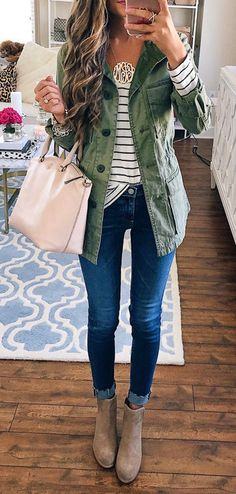 #fall #outfits  women's gray chambray button-up jacket and blue-washed fitted jeans