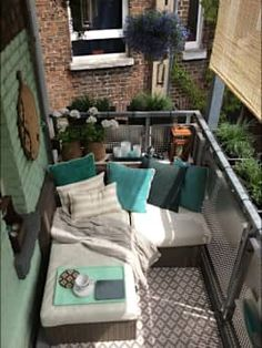 Before and after: Öder Balkon becomes a true oasis of relaxation - All About Balcony