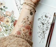 235 grafik o Tattoos w We Heart It Hippe Tattoos, Arm Tattoos, Body Art Tattoos, Sleeve Tattoos, Cool Tattoos, Tatoos, Vintage Flower Tattoo, Flower Tattoo Designs, Vintage Floral Tattoos
