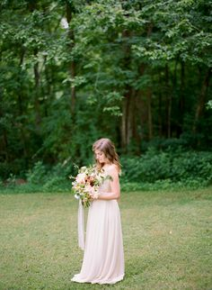 Delicate Spring Wedding Ideas With Pink Floral Details, Soft Feminine Bridal Inspiration And Gorgeous Table Settings Worth Swooning Over Wedding Looks, Chic Wedding, Spring Wedding, Wedding Styles, Wedding Day, Whimsical Wedding Inspiration, Wedding Gifts For Guests, Guest Gifts, Bridal Portraits