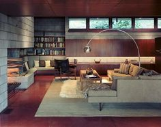Mid-century style room. This would look great in my basement!