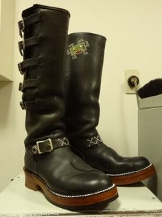 Engineer Boots Repair | CREA BLOG ~レザークラフト&ブーツのソールカスタム~ White Boots, Tall Boots, Buckaroo Boots, Fashion Shoes, Men's Fashion, Suit Shoes, Engineer Boots, Red Wing Shoes, Hand Crafts