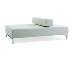 hitch mylius | hm991 daybed by david chipperfield