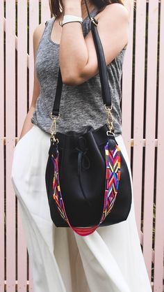 Minimal eco bucket bag perfect for work days / summer /street style /