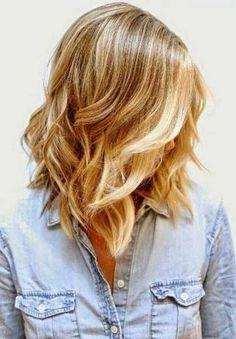cabello ondulado al hombro