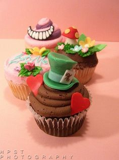 Alice in Wonderland themed Cupcake set