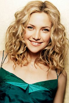 Kate Hudson - Maybe - has Johnson, Rutledge, Hall ancestry Most Beautiful Faces, Beautiful People, Kate Hudson Hair, Curly Girl Method, Star Wars, Soft Hair, Celebs, Celebrities, Beautiful Actresses