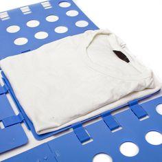 Möchtest du deine T-Shirts perfekt falten, so dass sie im Schrank in gleicher Größe ordentlich übereinander liegen? Schablone ✓ T-Shirt ✓