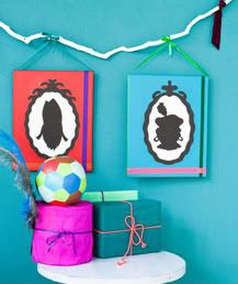 DIY Silhouette Sinterklaas and Zwarte Piet with free printable templates from Ariadne at Home. Diy For Kids, Crafts For Kids, Arts And Crafts, Saint Nicolas, Christmas Craft Projects, Kids Corner, Months In A Year, Holidays Halloween, Small Gifts