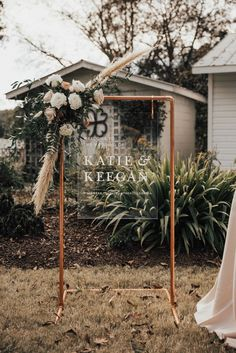 Copper stand welcome sign, wedding bar stand, seating chart stand - Modern Floral Wedding, Fall Wedding, Dream Wedding, Wedding Table, Diy Wedding, Wedding Favors, Wedding Blog, Wedding Aisles, Wedding Ideas
