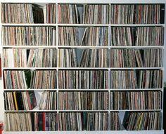 vinyls vinyls vynils.... So want this someday!