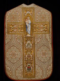 Chasuble-brodée-02-dos.jpg 960×1,280 pixels
