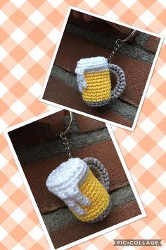 Beer mug key ring pattern wolplatz.de - Made by me - Amigurumi Crochet Food, Crochet Gifts, Knit Crochet, Crochet Key Cover, Crochet Keychain Pattern, Knitting Patterns, Crochet Patterns, Crochet Hair Accessories, Yarn Crafts