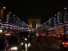 Impressões de Viagens: Natal nos Champs Élysées, Paris. Christmas at the Champs Élysées, Paris