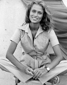 Laidback jute sandals set off Lauren Hutton's effortless safari-chic look in 1976. Rex Features.