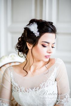 94 Wonderful the Best Bridal Hair Accessories On Etsy - Beauty Ideas Flower Girl Hair Accessories, Wedding Hair Accessories, Bridal Hair Inspiration, Flower Girl Hairstyles, Bridal Hair Vine, Wedding Hair Pieces, Gold Hair, Bridal Headpieces, Hair Accessory
