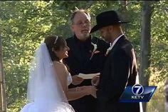 Ein ganz normales #HOCHZEITSFOTO?? Nein, denn diese #Braut ist GELÄHMT und ihr GANG zum Altar rührt alle zu Tränen!!