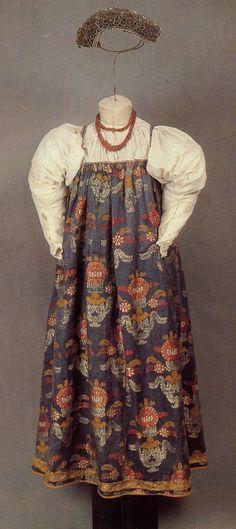 FolkCostume&Embroidery: Sarafan-like costumes of Europe/ Arkhangelsk