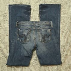 """Nwot Citizens of Humanity Ingrid flare Stretch, low waist. Super cute! Factory distressing/whiskering, left pocket part of design. 34"""" inseam. Great deal!! Citizens of Humanity Jeans Flare & Wide Leg"""