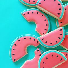 AD-Graphic-Designer-Makes-Custom-Cookies-Holly-Fox-Design-04
