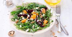 Recette de Salade de roquette à la betterave et à l'orange, vinaigrette à la noix. Facile et rapide à réaliser, goûteuse et diététique.