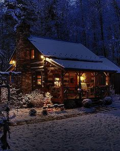 Beautiful little wood cabin in the winter & Comfy Cozy Cabin, Cozy House, Cabins In The Woods, House In The Woods, Design Rustique, Log Cabin Homes, Log Cabins, Little Cabin, Cabins And Cottages