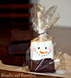 Hot Chocolate Squares with Snowman Marshmallows ~  Great gift idea!