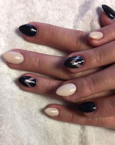Looking for easy nail art ideas for short nails? Look no further here are are quick and easy nail art ideas for short nails. Nail Art Designs, French Manicure Designs, Matte Nail Art, Acrylic Nails, Black Gel Nails, Bad Nails, Nail Envy, Easy Nail Art, Simple Nails
