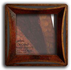 Zrcadlo Decent 2012, š: 80 x v: 80 cm, dřevo lipové, namořené , pozlacené, olejové barvy, vosková patina. V soukromé sbírce.