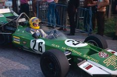 Alan Rollinson, Surtees TS8, returns to the paddock after the 18 Sep 1971, Oulton Park, Rothmans F5000 race.