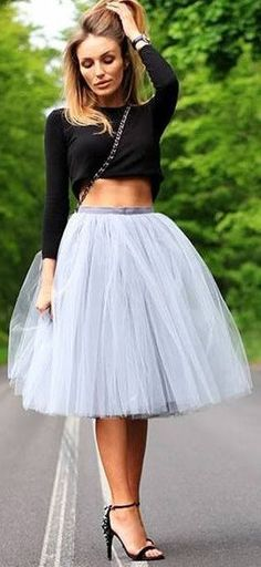 :: Tulle Skirt in Grey & Crop Top :: #CarrieBradshaw #Style #SexInTheCity