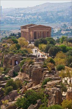 Tempio della Concordia - Valley of the Temples (UNESCO World Heritage Site), Agrigento, Sicily, Italy