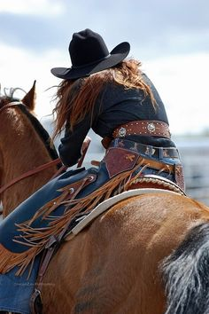 A cowgirl and her horse. loves the rodeo lifestyle and those that keep this American tradition alive! No greater bond than that between me and my horse! Cowgirl Quote, Cowgirl And Horse, Cowboy Up, Cowboy And Cowgirl, Horse Girl, My Horse, Cowgirl Style, Horse Love, Cowboy Hats