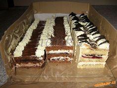 Pařížské řezy <br>- piškot ze 4 vajec  (sníh ušlehat se 4 PL cukru, 3 PL studené vodya špetkou soli ... Baking Recipes, Dessert Recipes, Desserts, Czech Recipes, Ethnic Recipes, Nutella, Tiramisu, Cheesecake, Food And Drink