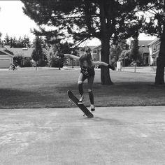 Skateboarding girl! Skater girl, skateboarder, skateboarding. Skateboarder Prue Gibson. @Prueloveg on Instagram.