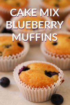 Breakfast is ready with a just a few ingredients. With fresh blueberries and a yellow cake mix, these turn out perfectly soft and delicious every. Homemade Cake Recipes, Cake Mix Recipes, Pound Cake Recipes, Muffin Recipes, Dessert Recipes, Breakfast Recipes, Starbucks Blueberry Muffin Recipe, Easy Blueberry Muffins, Blue Berry Muffins