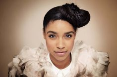 Lianne La Havas has become known to many as the online sensation gracing the screens of La Blogotheque and Black Cab Sessions with her mesmerizing stories of older men and breakups. Description from mobo.com. I searched for this on bing.com/images
