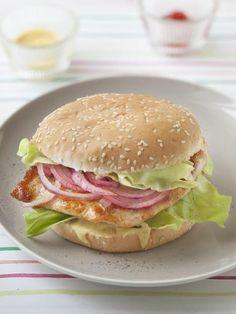 Hamburger froid au poulet Burger Mania, Burger Co, Pizza Burgers, Appetizer Sandwiches, Gourmet Sandwiches, Wrap Sandwiches, Hamburger Recipes, Dog Food Recipes, Snack Recipes