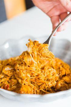 Kryddig jordnötskyckling i Crockpot Pasta Recipes, New Recipes, Dinner Recipes, Healthy Recipes, Recipe Pasta, Healthy Foods, Recipies, Favorite Recipes, Chicken Mushroom Recipes
