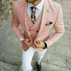 7 Menswear Fashion Myths That Are Completely Wrong. Should a guy combine black and brown his belt with his shoes or the color of his socks with his suit? Is it wrong for a guy to wear floral motifs in his clothing and mix different patterns? Blazer Outfits Men, Mens Fashion Blazer, Stylish Mens Outfits, Suit Fashion, Tailored Fashion, Fashion Black, Sport Outfits, Prom Suits For Men, Mens Suits