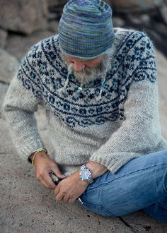 """Steinkriger"" means strong warrior (stone warrior) in Norwegian. KNITTING PATTERN- PDF for a warm Nordic sweater. Knitted with beautiful and durable i Sweater Knitting Patterns, Knitting Charts, Free Knitting, Knitting Needles, Knitting Gauge, Knitting Sweaters, Crochet Patterns, Jaquard Tricot, Tejido Fair Isle"