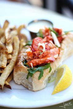 Tempest Oyster Bar, Lobster RoIl | Inspiration Nook #lobsterroll #MadisonWI #summerfoodbucketlist