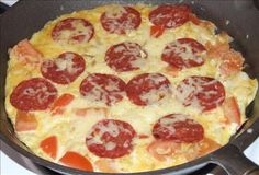 Pepperoni Omelet-will omit the potatoe to make low carb Good Healthy Recipes, Quick Recipes, Quick Meals, My Recipes, Favorite Recipes, Amazing Recipes, Delicious Recipes, Breakfast For Dinner, Breakfast Time