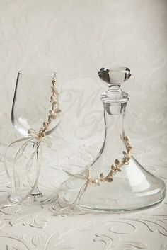 Lovely vintage style glass and decanter for wine with porcelain flowers, Ποτήρι και καράφα κρασιού διακοσμημένα με πορσελάνινα λουλουδάκια #stefanagamou #stefana #weddingcrowns