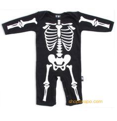 """Pijama modelo """"Skeleton"""" para bebe de la marca Six Bunnies (KK 303). 100% de algodón de manga larga. Pijama blanco con estampado en parte delantera y trasera."""