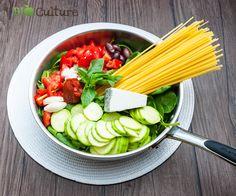 One pot pasta Fruits Secs Bio, One Pot Pasta, Celery, Healthy Recipes, Healthy Food, Vegetables, Cooking, Lactose, Culture