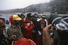 James Hunt and Niki Lauda talk during the drivers briefing. Rush Movie, James Hunt, F1 Drivers, Fuji, October, Japan, Japanese