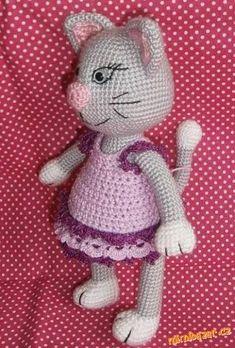 nekopírujte a nevkládejte na jiné stránky. prosím o respektování mého autorství :) přeji krásné p... Pet Toys, Free Crochet, Crochet Cats, Smurfs, Free Pattern, Diy And Crafts, Hello Kitty, Crochet Patterns, Snoopy