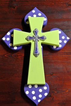 Items similar to LSU Decorated Layered Wooden Cross // Elegant Royal Purple, Lime Green with Ivory Polka Dots on Etsy Hand Painted Crosses, Wooden Crosses, Crosses Decor, Wall Crosses, Decorative Crosses, Crafts To Make, Arts And Crafts, Diy Crafts, Cross Wall Decor