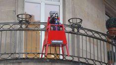 Verschwindet der Pustefix-Bär in der Altstadt? Red Dining Chairs, Retail Space, Childhood Memories